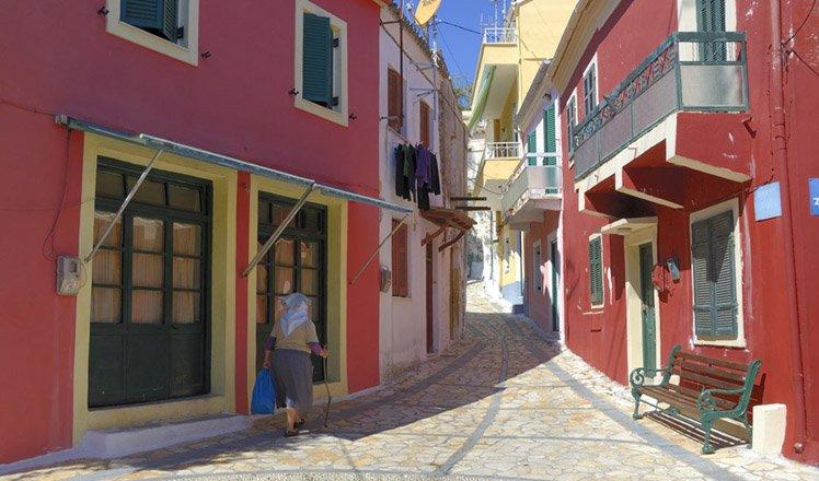 het dorp chlomos op corfu
