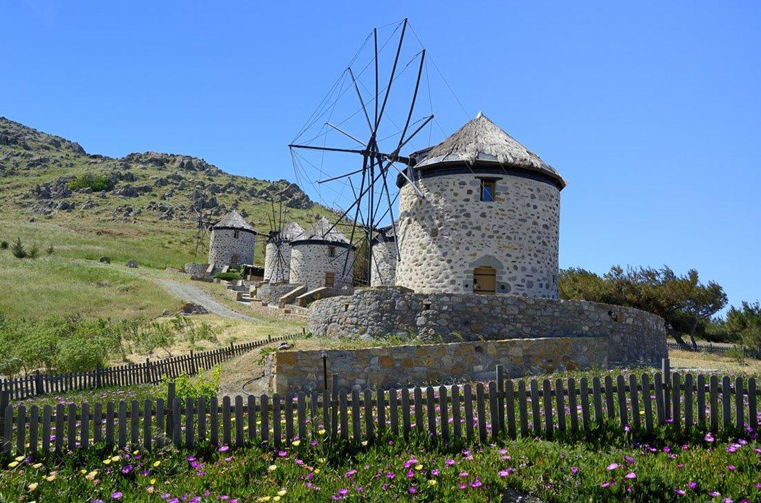 limnos windmills in kontias op limnos_1.jpg