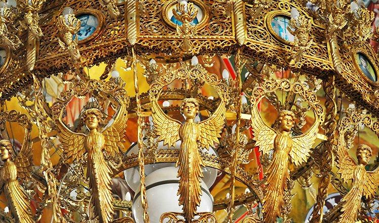 kefalonia_gold chandelier in the monastery of agios gerasimos, cephalonia, greece_st.jpg