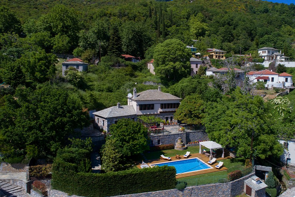 villa kerasia, milies op pilion